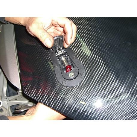 Sicherungsverschlüsse für Motorhauben Rennsport